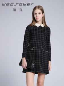 颜姿黑色格子连衣裙