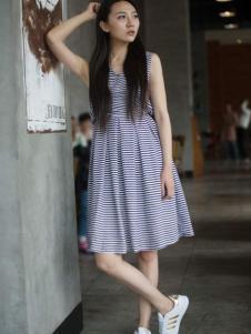卡漫拉(KAMANLA)2016新品条纹裙