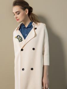 弗卡女装米色大衣
