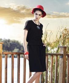 尹红女装黑色连衣裙