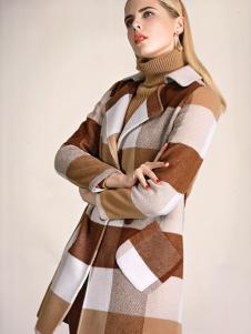 必芙丽格纹大衣