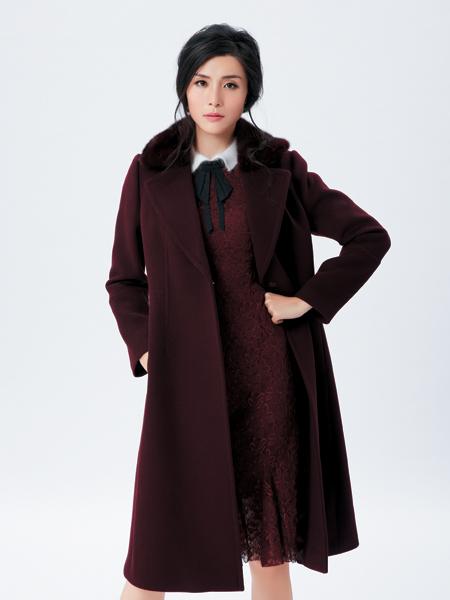 金蝶茜妮红色长款大衣