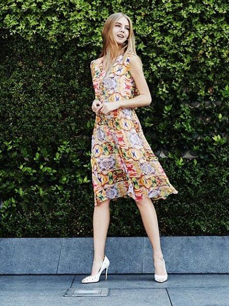 加盟女装哪家强? 文果怡彩女装-众多加盟商的品牌