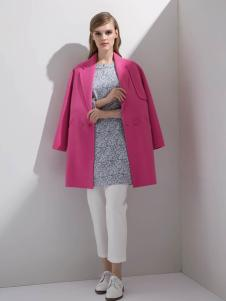 迪索怡红色七分袖呢子大衣