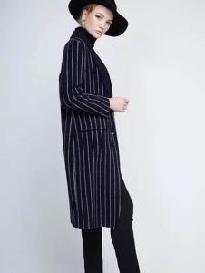 布莎卡冬季条纹长款外套