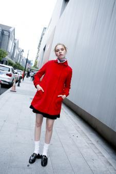 衣香丽影红色毛呢外套