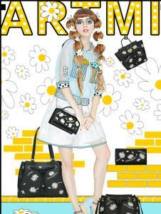 artmi黑色时尚卡通女装新品