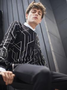 莎斯莱思男装黑色条纹毛衣