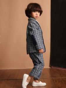 天使舞台男童格纹外套