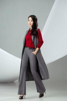 迪丝爱尔灰色长款无袖外套