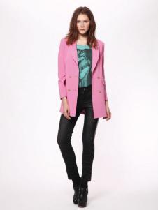 时尚年代女装粉色呢大衣