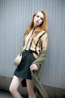 衣香丽影条纹针织毛衣