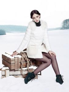 衣香芳苑女装白色羽绒服