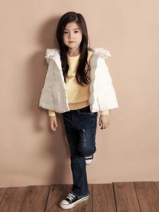 天使舞台女童白色羽绒服