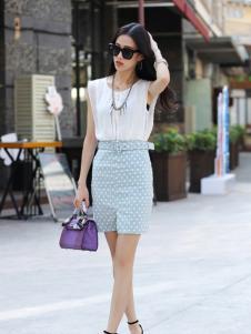 卡茵琪蓝色修身短裙新品