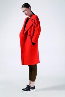 奔狐女装红色翻领毛呢大衣