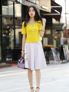 卡茵琪黄色修身全棉上衣新品