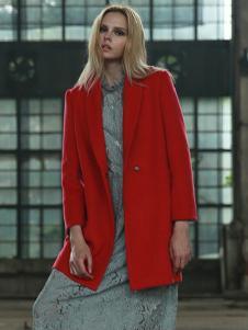必芙丽红色简约毛呢大衣