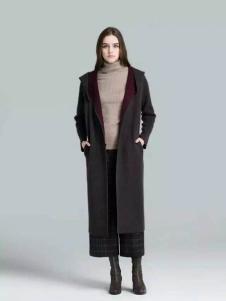 布莎卡冬季长款修身外套现货