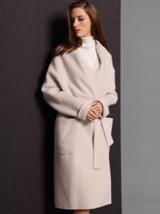 2016斯尔丽女士大衣