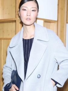 玳莎冬季欧美淡蓝色大衣正品
