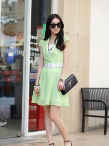 卡茵琪绿色雪纺连衣裙新品