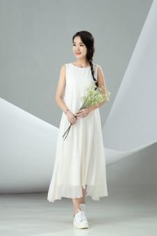 迪丝爱尔白色雪纺无袖连衣裙
