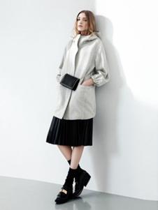 玛泰迩女装米白色大衣