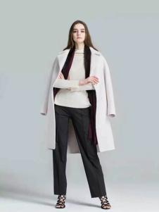 布莎卡冬季白色长款外套新款