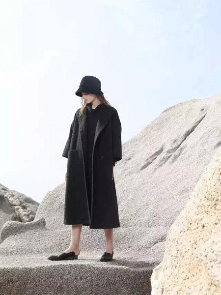 柯妮丝麗秋冬时尚大衣