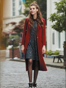 香影女装冬季长款红色大衣