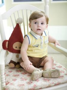 雅培孕婴童装无袖带领上衣