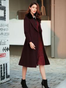 金蝶茜妮红色毛领A字版大衣