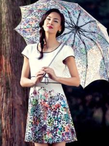 哥邦女装白色印花修身连衣裙