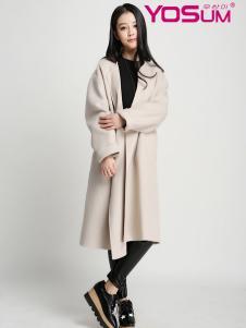 优尚美米色宽松大衣