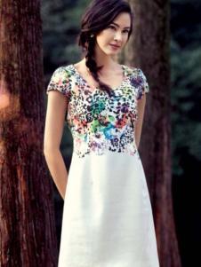 哥邦女装白色豹纹连衣裙