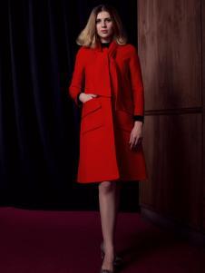 图案女装红色A字大衣