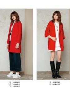 云上写生红色毛呢大衣
