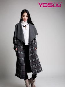 YOSUM翻领格纹大衣