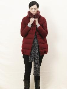 底色冬季红色长款羽绒服