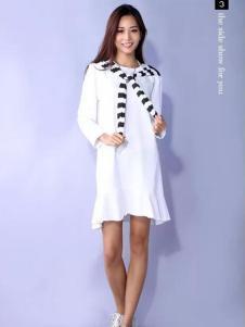 YES女装白色鱼尾连衣裙
