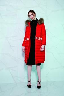 赫梵茜女装红色长款毛领羽绒服