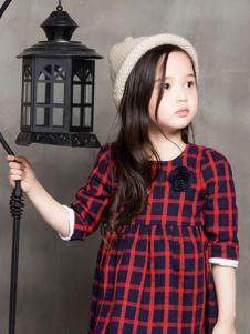 可爱100童装女童格子连衣裙