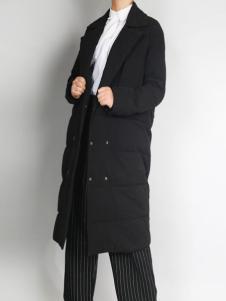 零时尚新款黑色羽绒服