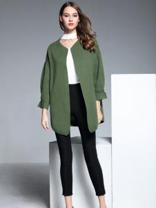 彤欣格绿色圆领呢外套