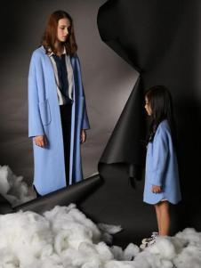 天使舞台天蓝色亲子呢大衣