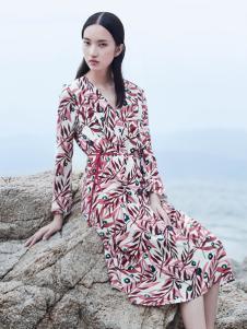 玳莎女装时尚印花连衣裙