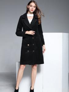彤欣格黑色双排扣大衣