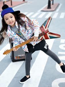 玛玛米雅女童印花短款羽绒服