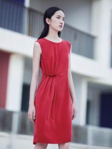 玳莎时尚纯色连衣裙